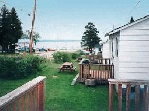 Long Beach Cottages at Sturgeon Lake