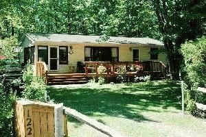 Wasaga Beach  Cottage  -Cedar Winds