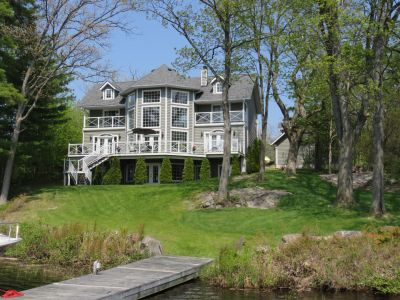 Lakeridge - Gorgeous Cape Cod in South Muskoka