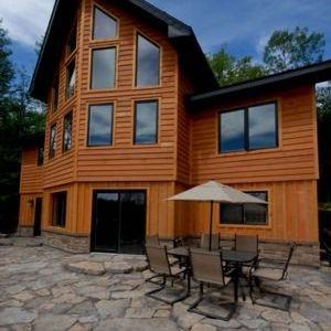 Labrador Lodge: Magnificent 5 Bedroom Timberframe