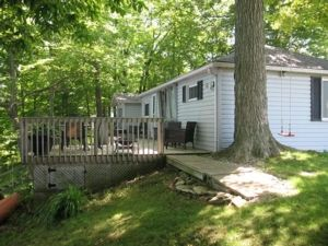 Lakefront Port Dover Cottage: Woodhouse Hide-A-Way