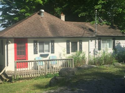 White Lake, Kawarthas - 3 Bedrooms!