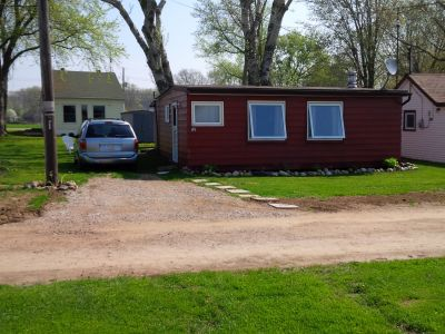 Waterfront 2 Bedroom Cottage on Lake Erie - Colchester #85 (South of Harrow)