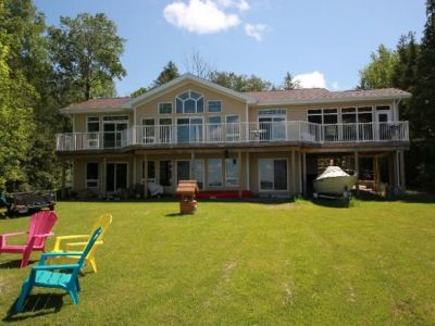 Cedar Row Cottage at Kawartha Lakes