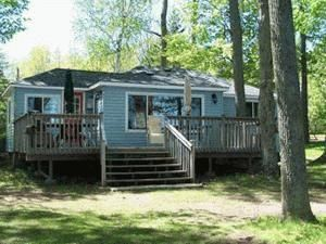 Beautiful 3 bedroom cottage located on Balsam Lake