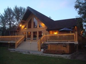 The Treehouse Waterfront 4 bedroom 2700 sq ft