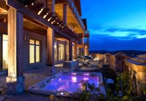 Tremblant Ski-in/out 8000sf Condo Spa Billiards