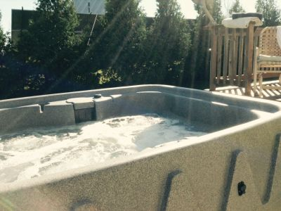 $532 ROMANTIC HOT TUB 3 NIGHT STAY-HUMMINGBIRD COTTAGE