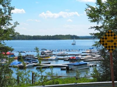 Gleniffer Lake - $800 per week. Golf course lot