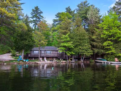 Oak Lake Cottage at Kawartha Lakes