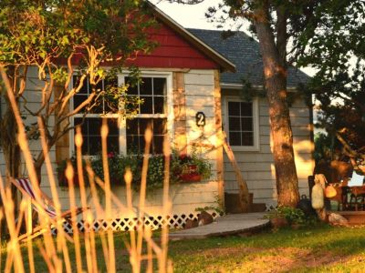 CHARM OF THE COASTAL COUNTRY-COTTAGE 2