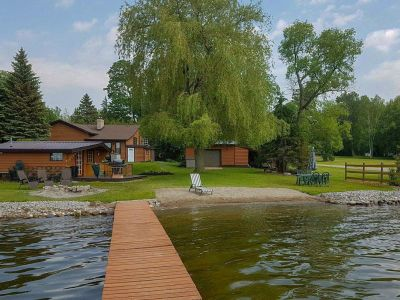 Cozy Cottage on Lake Scugog