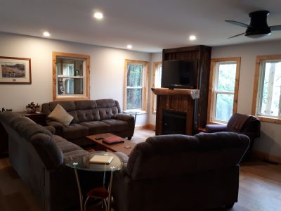 Ezeras House Luxury Cottage Rental on Oastler Lake