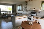 Sandy Bay Waterfront Cottage on Lake Simcoe (Pefferlaw)