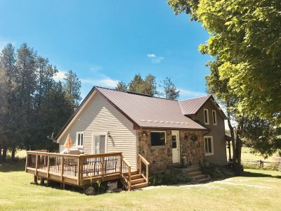 Secluded Country Cottage Central to Blue Mountain, Creemore and Thornbury